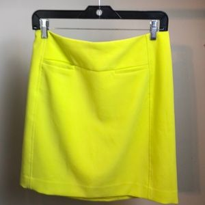 LOFT Lime green skirt SZ 4 Like new condition